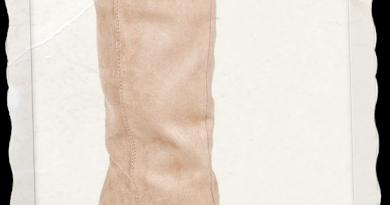 monday-wedgie-stewie-boot