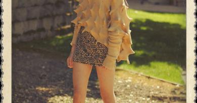 saturday-look-sea-urchin-sweater-miniskirt