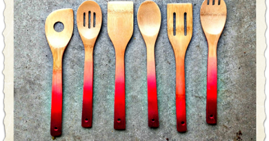 Red-Ombre-Wooden-Kitchen-Spoons-&-Utensils