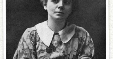 Maude Adams as Peter Pan (1905)