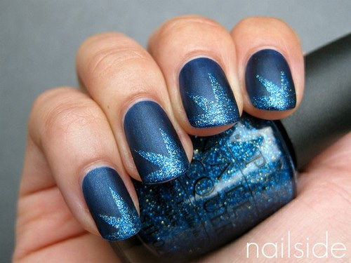 Blue Glitter Star Holiday Nail Inspiration