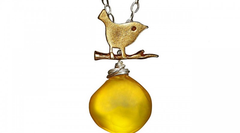 bird-necklace-feat