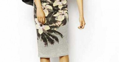 Daily Deal: Choies Floral Jersey Pencil Skirt