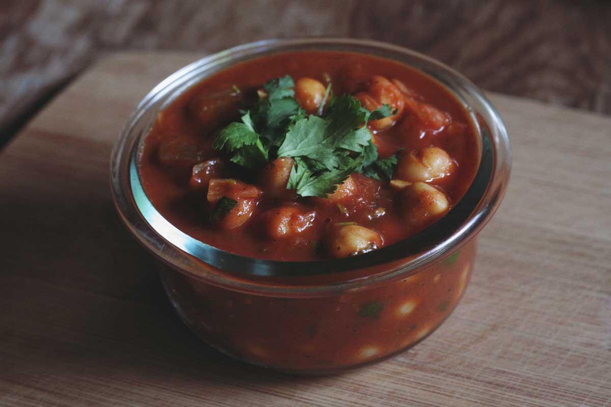 #BrokeLife Recipe: Chana Masala / Curried Chickpeas
