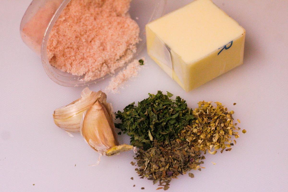 Ingredients in Garlic & Herb Croutons