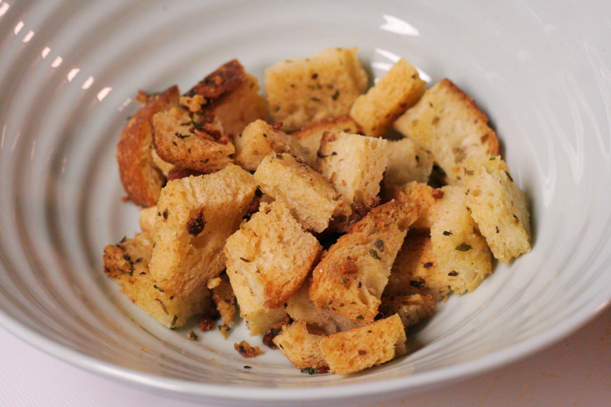 homemade garlic herb homemade sourdough croutons own croutons is hands ...