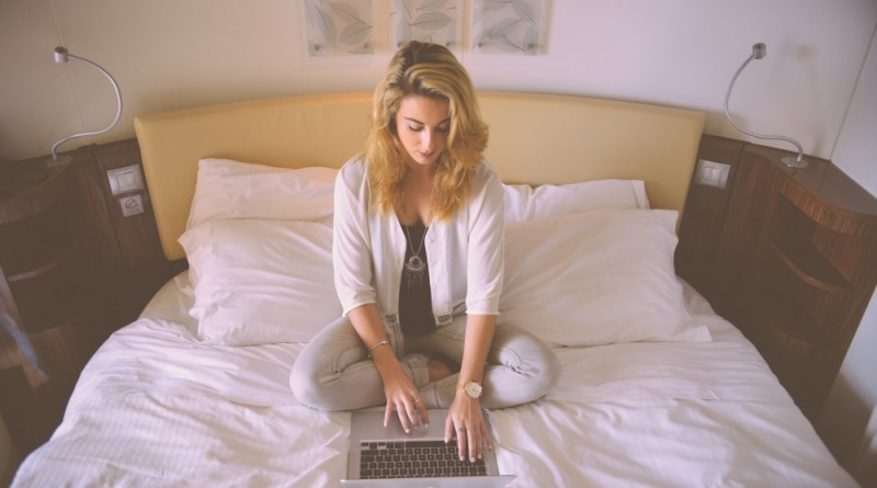 shopping bed laptop girl blogging online