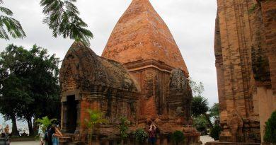vietman travel ruins history tourism
