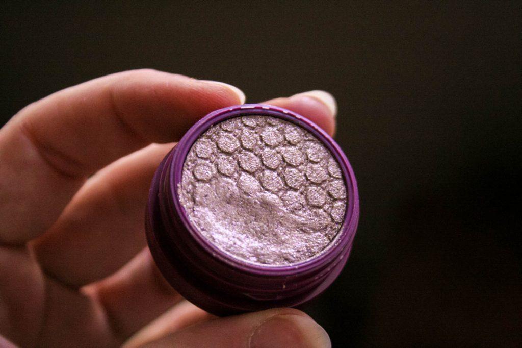 eyeshadow purple makeup