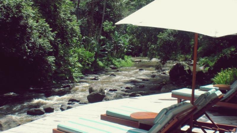 bali four seasons hotel outdoor seating