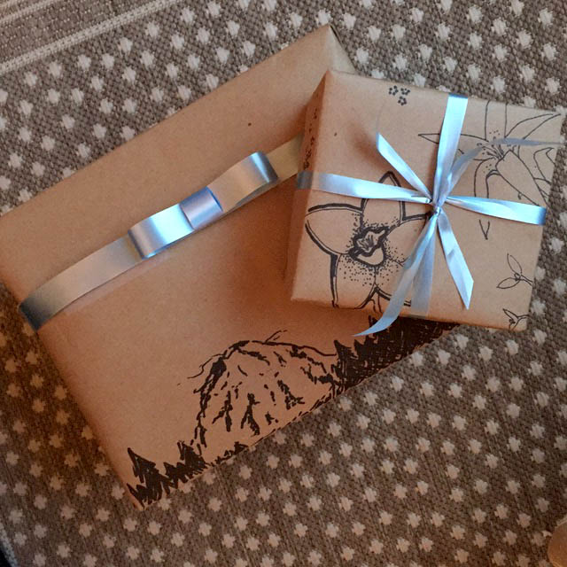 DIY Gift Wrapping Sharpie - Floral and Mountain