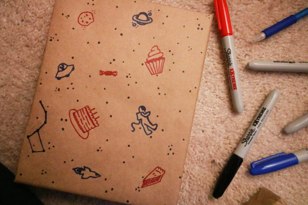 Sharpie Extreme DIY Wrapping Paper - Cupcakes Desserts and Space Doodles